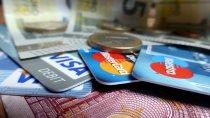 karty kredytowe i pieniądze