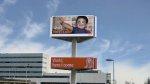 reklama obrotowa na słupie