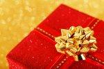 prezent w czerwonym pudełku